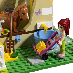 Lego Friends: stables and horses