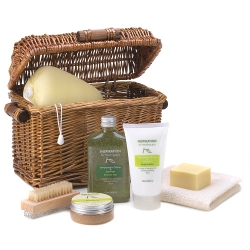 Gift basket to spoil your woman